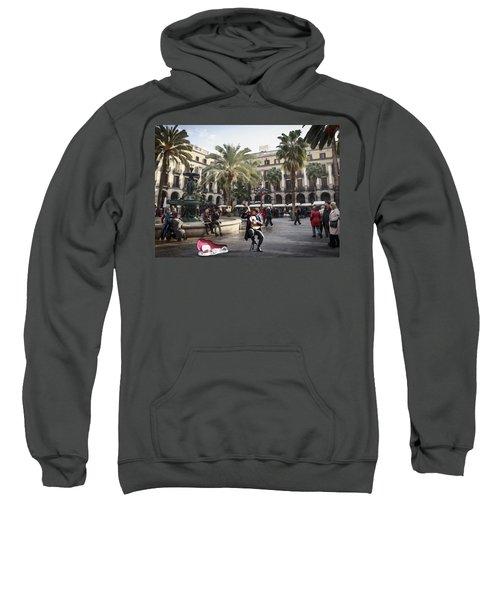 Street Music. Guitar. Barcelona, Plaza Real. Sweatshirt