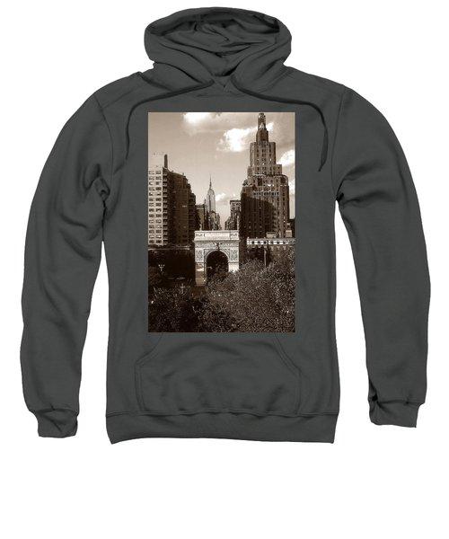 Washington Arch And New York University - Vintage Photo Art Sweatshirt