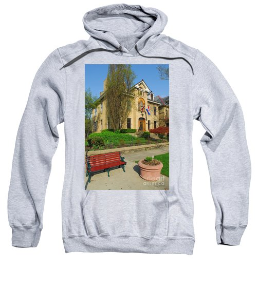 D47l-14 Victorian Village Photo Sweatshirt