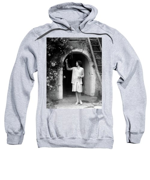 1920s 1930s Woman In Flapper Outfit Sweatshirt