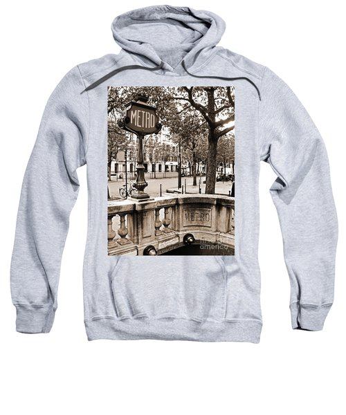 Metro Franklin Roosevelt - Paris - Vintage Sign And Streets Sweatshirt