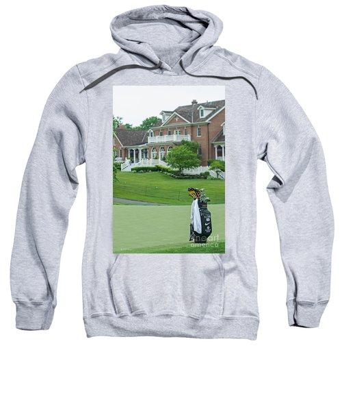 D12w-289 Golf Bag At Muirfield Village Sweatshirt