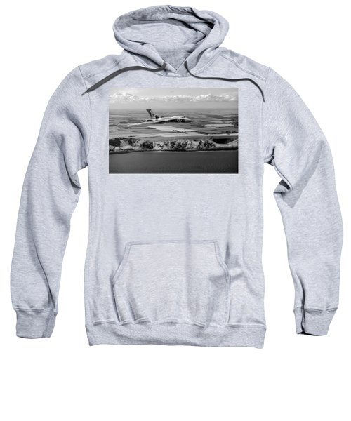 Avro Vulcan Over The White Cliffs Of Dover Black And White Versi Sweatshirt