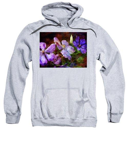 Clematis 1330 Idp_2 Sweatshirt