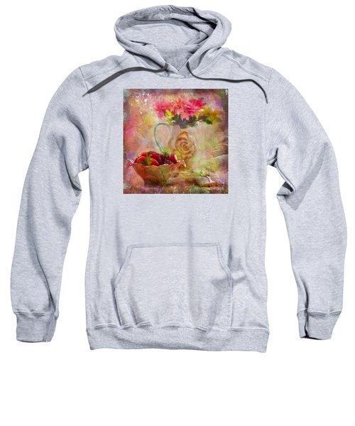 Les Fraises Et Les Fleurs 2015 Sweatshirt
