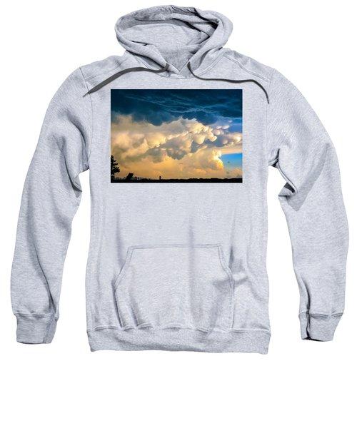 Mammatus Clouds At Sunset Sweatshirt