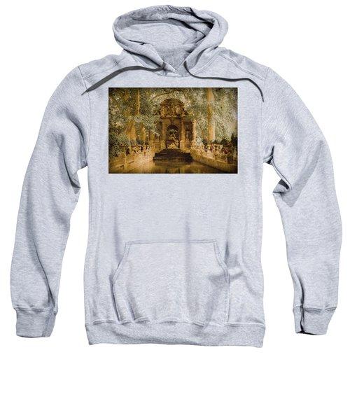 Paris, France - Medici Fountain Oldstyle Sweatshirt