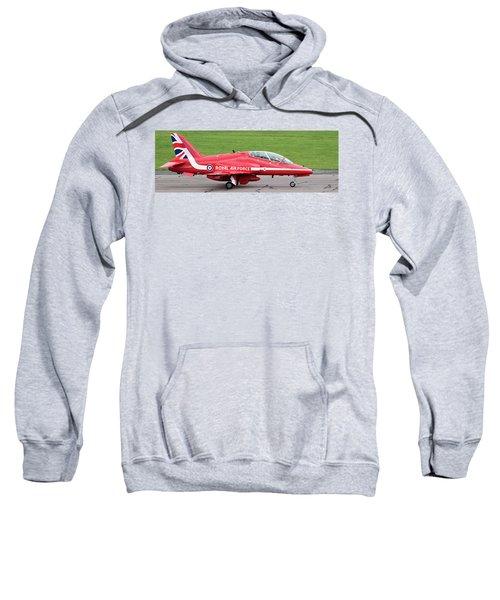 Raf Scampton 2017 - Red Arrows Xx322 Sitting On Runway Sweatshirt