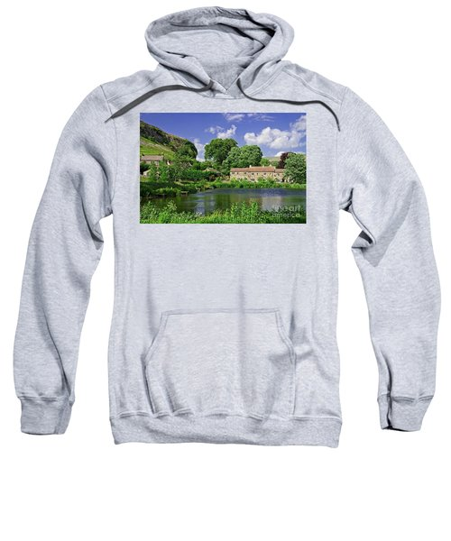 Kilnsey Village, Yorkshire Dales Sweatshirt