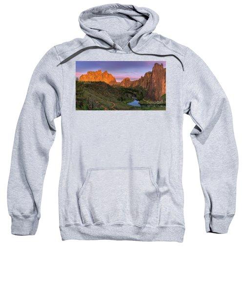 Smith Rock State Park, Oregon, Usa Sweatshirt