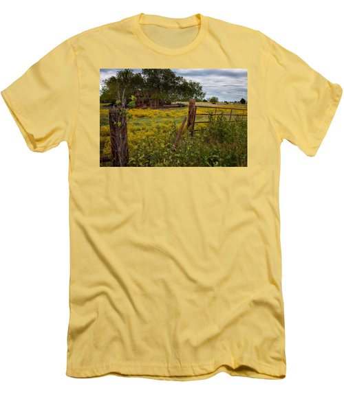 An Old Shed Men's T-Shirt (Athletic Fit)