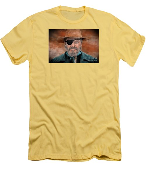 Jeff Bridges As U.s. Marshal Rooster Cogburn In True Grit  Men's T-Shirt (Athletic Fit)