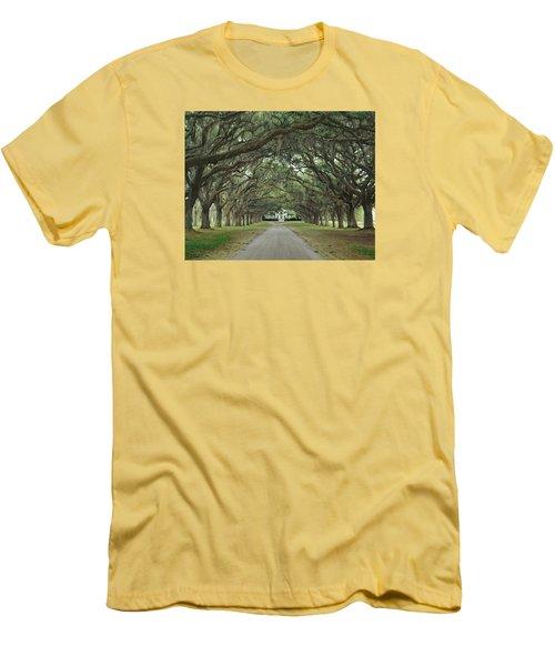 147706-avenue Of The Oaks  Men's T-Shirt (Athletic Fit)