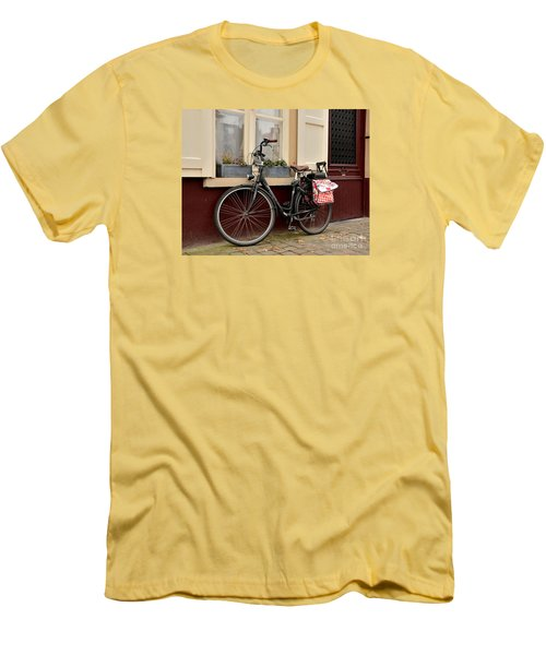 Bicycle With Baby Seat At Doorway Bruges Belgium Men's T-Shirt (Athletic Fit)