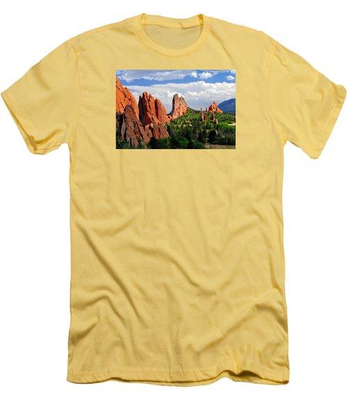 Central Garden Of The Gods Park Men's T-Shirt (Slim Fit) by John Hoffman