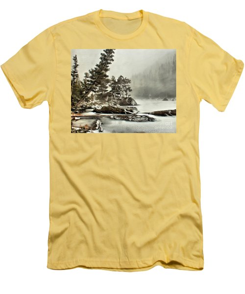 Dream Blizzard Men's T-Shirt (Athletic Fit)