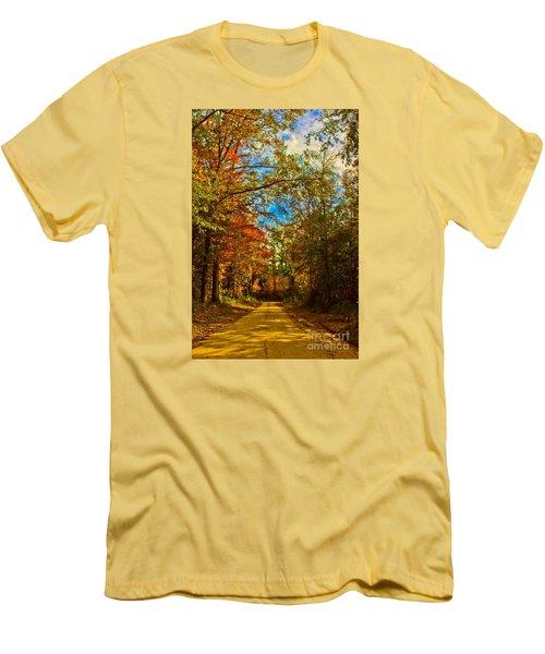 East Texas Back Roads Hdr Men's T-Shirt (Athletic Fit)