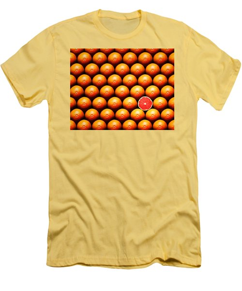 Grapefruit Slice Between Group Men's T-Shirt (Athletic Fit)