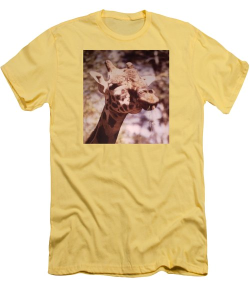 Velvety Giraffe Men's T-Shirt (Athletic Fit)