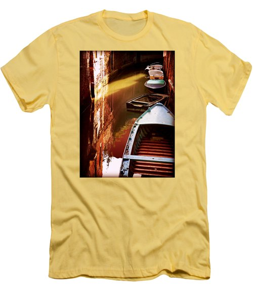 Legata Nel Canale Men's T-Shirt (Athletic Fit)