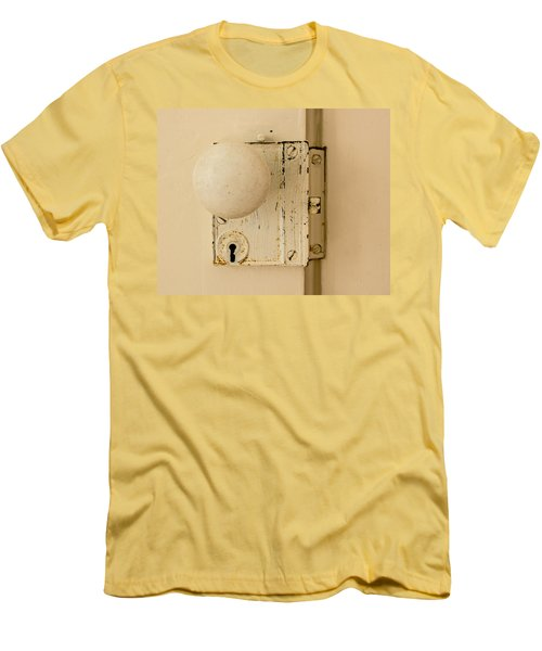 Old Lock Men's T-Shirt (Athletic Fit)