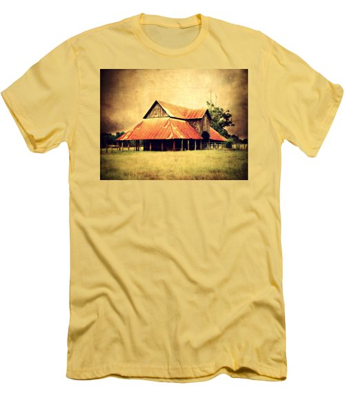Old Texas Barn Men's T-Shirt (Athletic Fit)