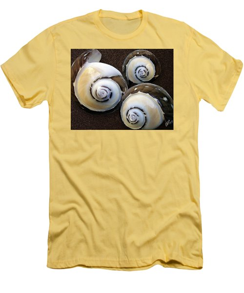 Seashells Spectacular No 23 Men's T-Shirt (Athletic Fit)