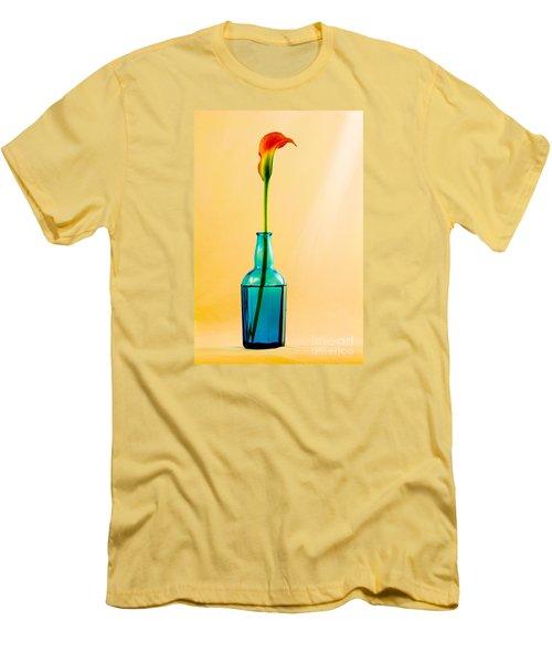 Single Calla In Blue Bottle Men's T-Shirt (Athletic Fit)