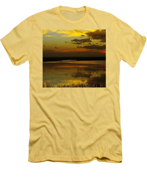 Sunset On Medicine Lake Men's T-Shirt (Athletic Fit)