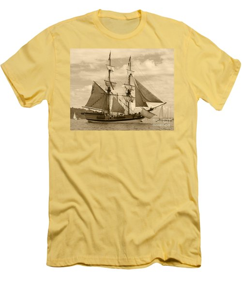 The Lady Washington Ship Men's T-Shirt (Athletic Fit)