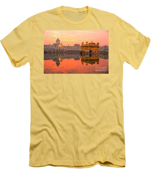 Golden Temple Men's T-Shirt (Athletic Fit)