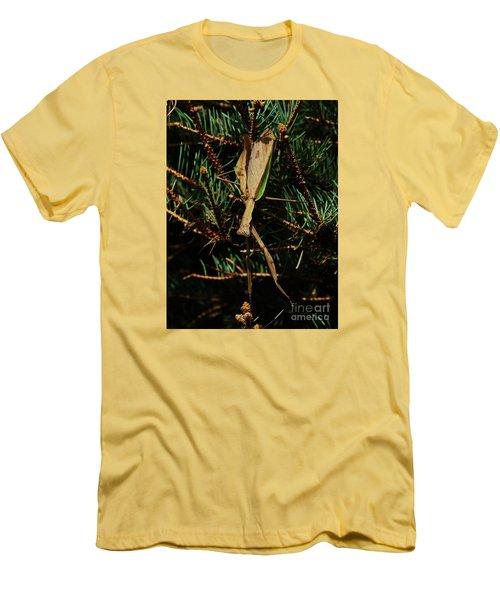 Hanging Mantis  Men's T-Shirt (Slim Fit) by J L Zarek