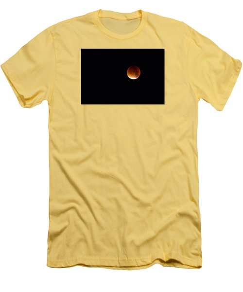 Blood Moon Super Moon 2015 Men's T-Shirt (Slim Fit) by Clare Bambers
