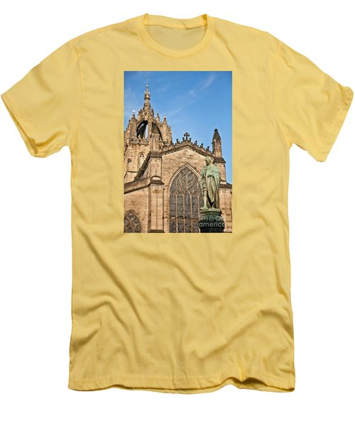 St Giles Cathedral  Edinburgh Men's T-Shirt (Slim Fit) by Liz Leyden