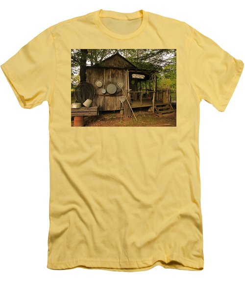 Cajun Cabin Men's T-Shirt (Athletic Fit)