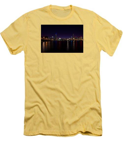 Chicago-skyline 2 Men's T-Shirt (Slim Fit) by Richard Zentner