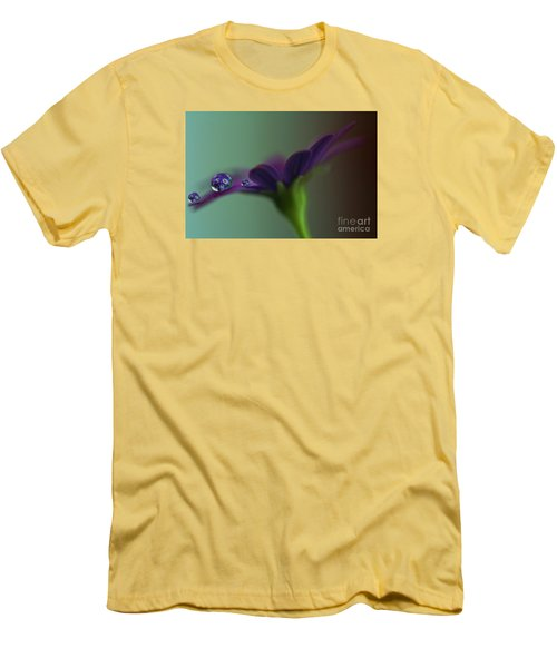 A Daisy Delivery Men's T-Shirt (Slim Fit)