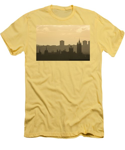 Aberdeen Skyline Silhouettes Men's T-Shirt (Athletic Fit)