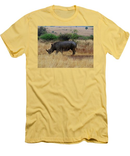 African Animals On Safari - One Very Rare White Rhinoceros Right Angle With Background Men's T-Shirt (Athletic Fit)