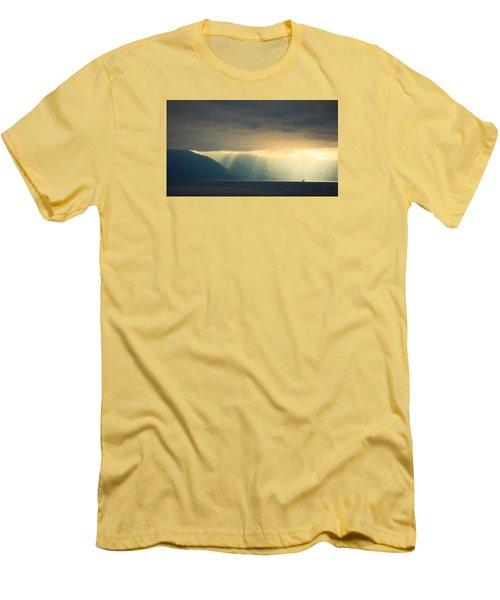 Alaska Inside Passage Under The Clouds Men's T-Shirt (Slim Fit)