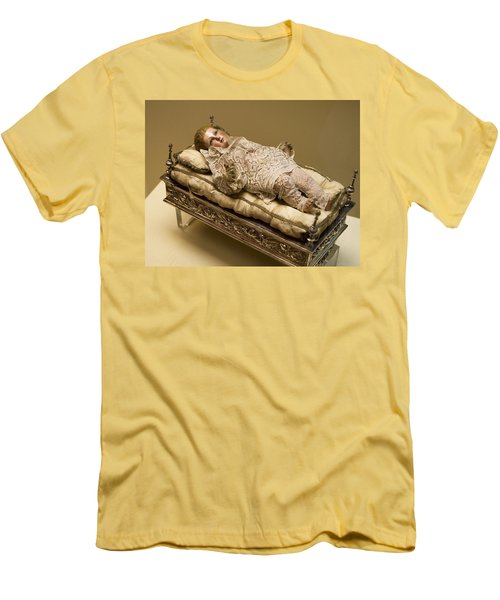 Baby Jesus In Lace Men's T-Shirt (Athletic Fit)
