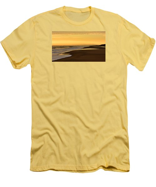 Back Bay Sunrise Men's T-Shirt (Athletic Fit)