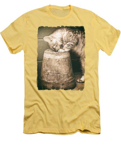 Cat Curiosity... Men's T-Shirt (Athletic Fit)