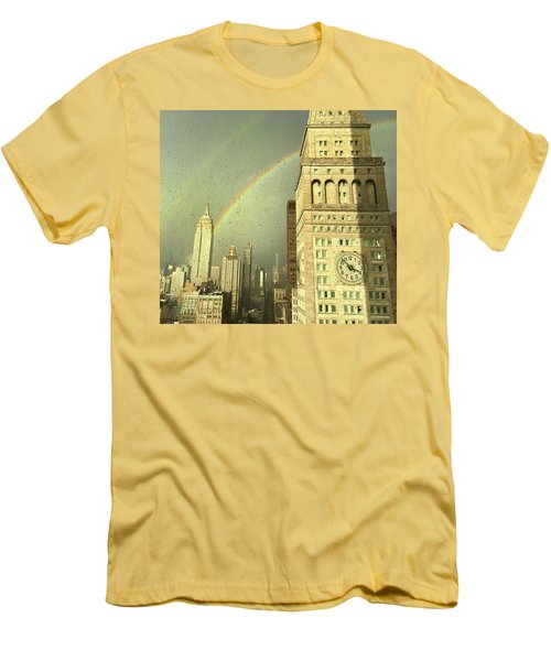 Clock Tower New York Men's T-Shirt (Athletic Fit)