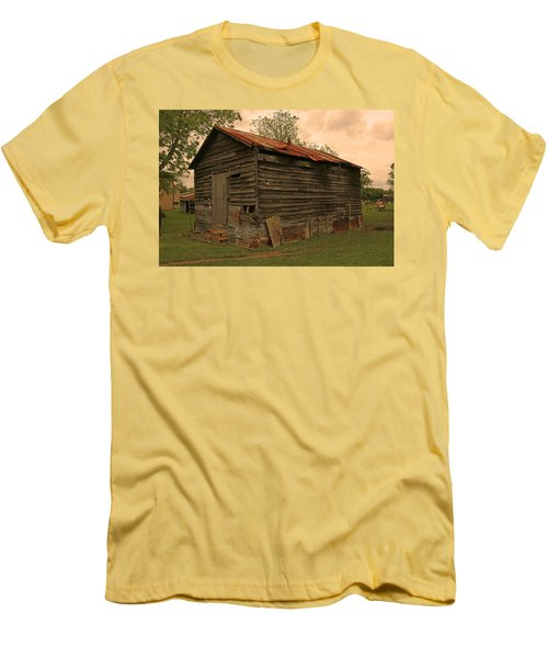 Corn Shed Men's T-Shirt (Athletic Fit)