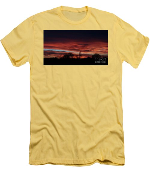 December 2016 Farm Sunset Men's T-Shirt (Athletic Fit)