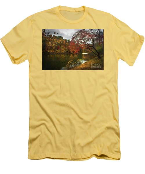 Dewey Lake In Autumn Men's T-Shirt (Athletic Fit)