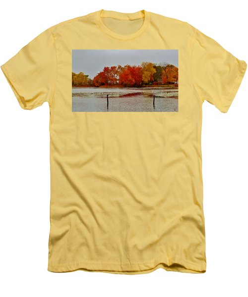 Men's T-Shirt (Athletic Fit) featuring the photograph Elmer Lake In Autumn by Ed Sweeney