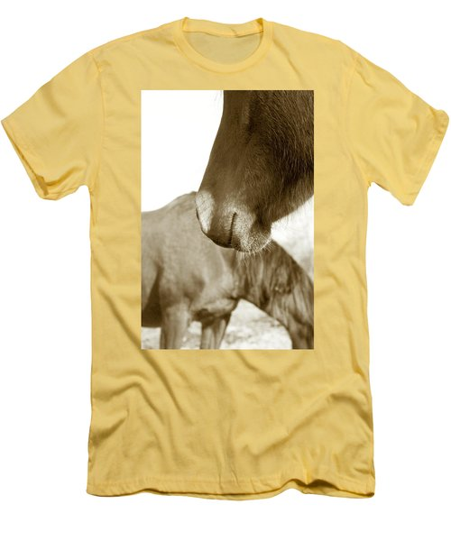 Form Of A Horse Men's T-Shirt (Athletic Fit)