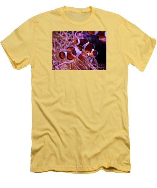 Found  Nemo Men's T-Shirt (Athletic Fit)